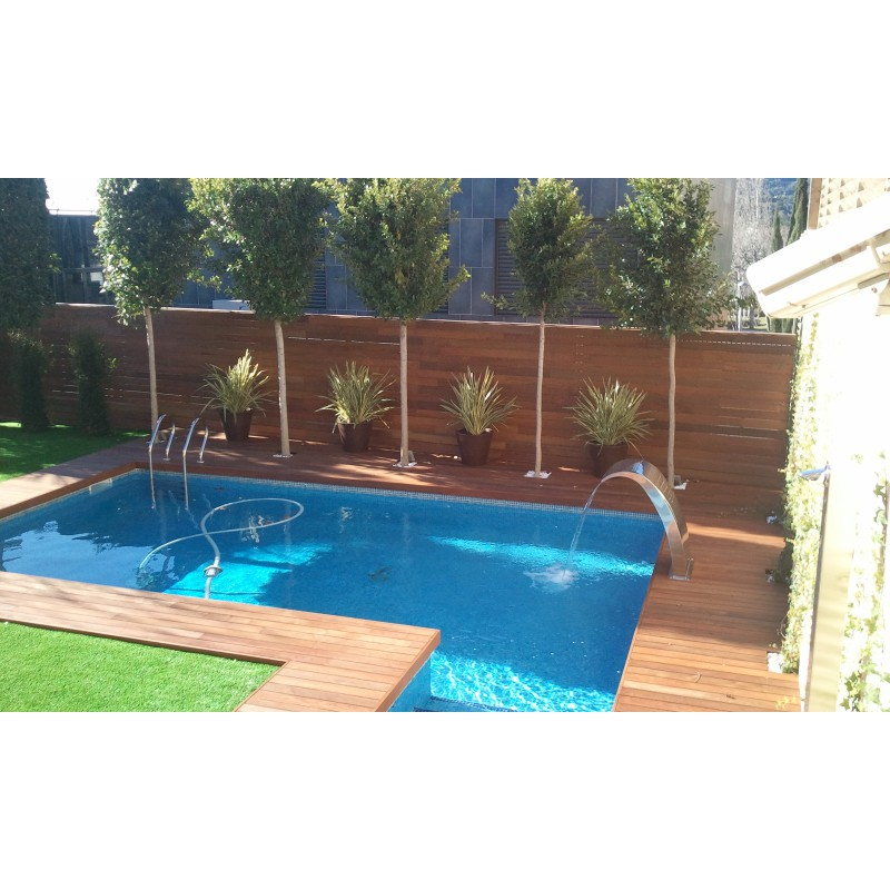 Jard n con piscina greengarden for Jardin con piscina